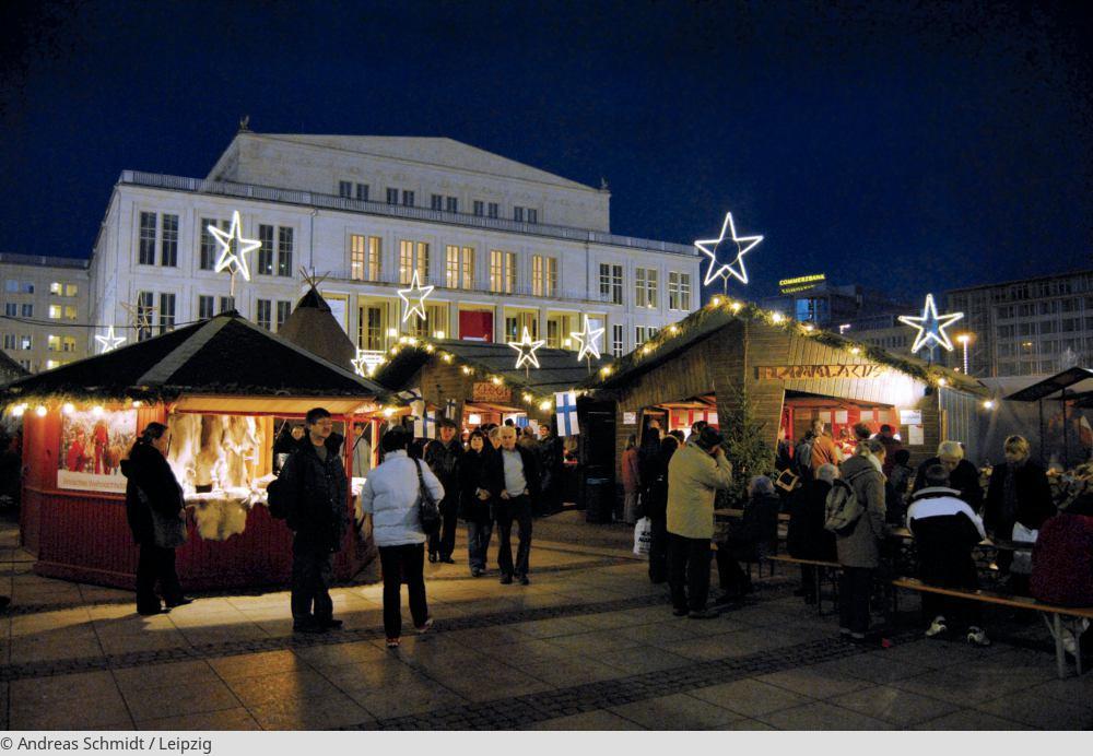 "<a href=""index.php?nav=tagesreisen&navl=dezember&content=detail&id=194""><span style=""font-size:0.8em;"">11.12.2017</span><br />Weihnachtsmarkt Leipzig</a>"