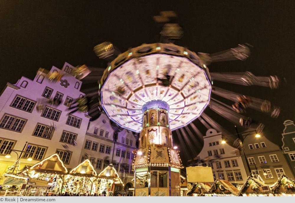 "<a href=""index.php?nav=tagesreisen&navl=dezember&content=detail&id=432""><span style=""font-size:0.8em;"">13.12.2017</span><br />Rostocker Weihnachtsmarkt</a>"
