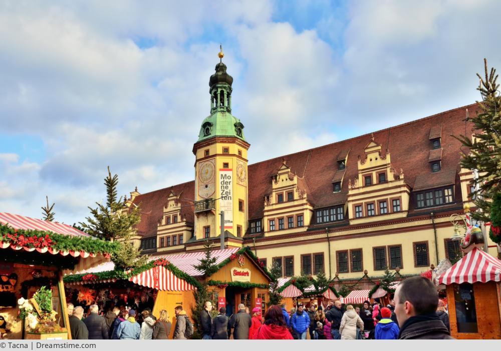 "<a href=""index.php?nav=tagesreisen&navl=dezember&content=detail&id=428""><span style=""font-size:0.8em;"">11.12.2017</span><br />Weihnachtsmarkt Leipzig</a>"