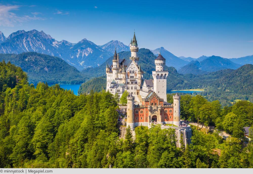 """<a href=""""index.php?nav=mehrtagesreisen&navl=oktober&content=detail&id=323""""><span style=""""font-size:0.8em;"""">03.10.2017 – 07.10.2017</span><br />Herbsttage, da wo Bayern am schönsten ist</a>"""