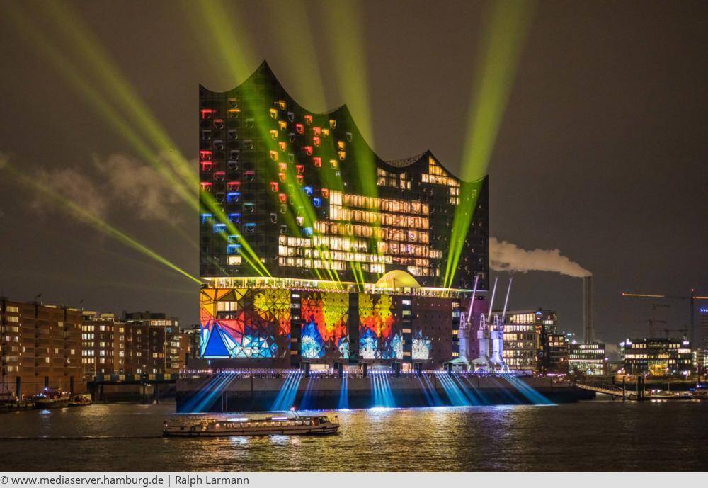 "<a href=""index.php?nav=tagesreisen&navl=januar&content=detail&id=401""><span style=""font-size:0.8em;"">08.02.2018</span><br />Elbphilharmonie Hamburg</a>"